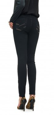 Skinny in black coloured denim
